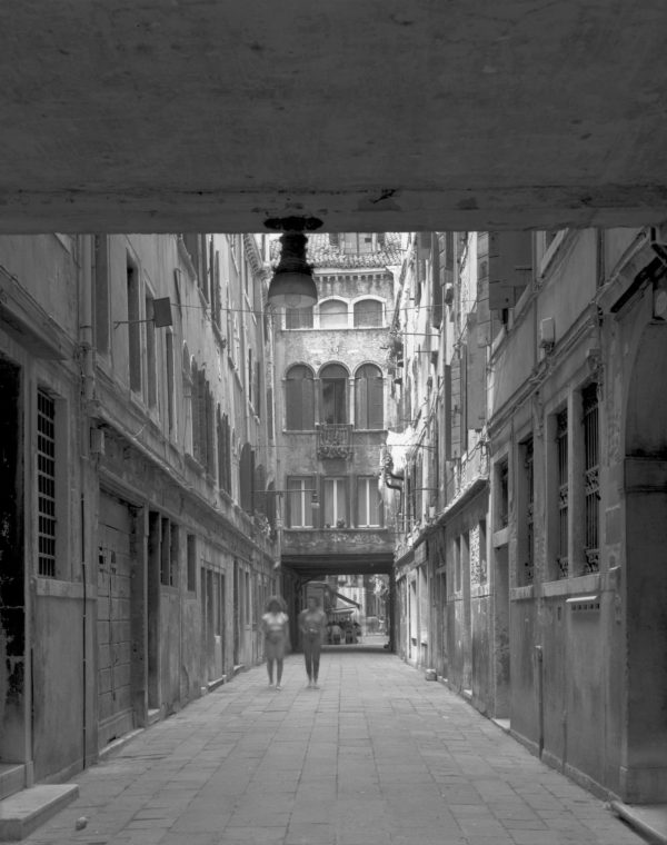 Calle Del Paradiso  Venezia  1984, Gelatin Silver Print ©Naohisa Hara