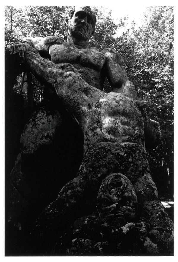 A Gigantess, Viterbi, Italy, 1966, gelatin silver print : 1969, 269x182mm ©Kikuji Kawada