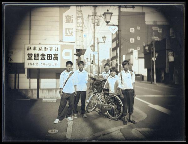 2012年6月26日  下校中の高校生  南相馬市原町, ダゲレオタイプ, unique, 19.3 x 25.2 cm ©Takashi Arai