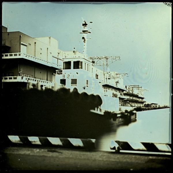2011年1月19日 横浜港, ダゲレオタイプ, unique, 6.3 x 6.3 cm ©Takashi Arai