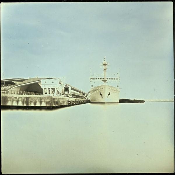2011年2月2日 海洋地球研究船「みらい」, 横浜, ダゲレオタイプ, unique, 6.3 x 6.3 cm ©Takashi Arai