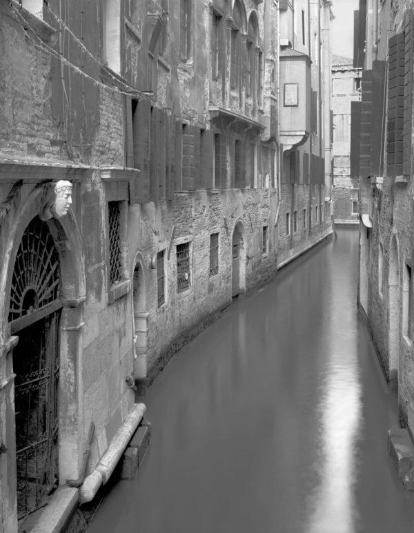 8-10134, Fondamenta de la Veste Venezia  1999, Gelatin Silver Print, ©Naohisa Hara