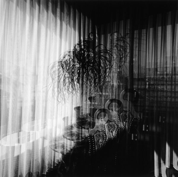 ポニーテール 1992, gelatin silver print : 1995, 18 x 22 in, ©Kikuji Kawada
